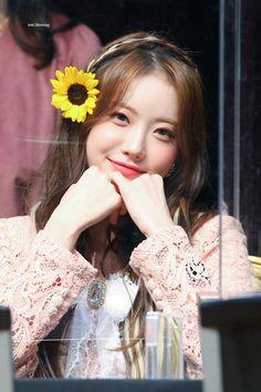 Wjsn Luda, Cosmic Girls, Starship Entertainment, Korean Celebrities, Beautiful Asian Girls, Mini Albums, Fandoms, Twitter, Fashion