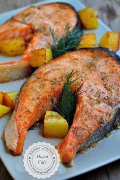 Baked Salmon - Hayat Cafe Easy Recipes - Ahh, I don't know . - Baked Salmon – Hayat Cafe Easy Recipes – Ahh, I don't know how I love salmon fish. I don't get tired if I eat every day. Shellfish Recipes, Seafood Recipes, New Recipes, Low Carb Recipes, Healthy Recipes, Cafe Recipes, Simple Recipes, Recipes Dinner, Healthy Meals