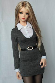 Is Porcelain China Refferal: 9830022944 Beautiful Barbie Dolls, Pretty Dolls, Anime Dolls, Bjd Dolls, Barbie Dress, Barbie Clothes, Barbie Mode, Accessoires Barbie, Barbie Fashionista Dolls