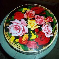 Items similar to Pretty Vintage Advertising Peek Frean Cookie Tin Can Flowers London England on Etsy Tin Can Flowers, Flowers London, Cookie Tin, Floral Motif, Vintage Advertisements, London England, Vintage Floral, Advertising, Cookies