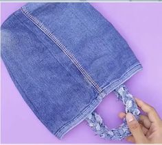 Denim Bag Patterns, Bag Patterns To Sew, Sewing Patterns, Diy Clothes Rack, Diy Clothes Refashion, Jean Crafts, Denim Crafts, Sewing Basics, Sewing Hacks