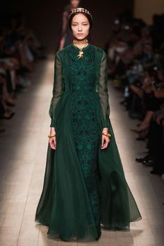 Valentino Spring 2014 - http://www.valentino.com/en/collections/ready-to-wear/