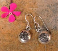 Pendientes de plata. Joyería de plata. Pendientes étnicos. Joyería étnica. Silver Jewelry. Ethnic Jewelry. Hill Tribe silver earrings.