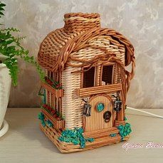 (9) Одноклассники Paper Weaving, Weaving Art, Fun Crafts, Diy And Crafts, Paper Furniture, Newspaper Crafts, Tissue Boxes, Bird Feathers, Diy Paper