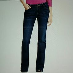 """Modern Boot cut tommy Like new tommy hilfiger modern boot cut pant size 2S used twice !!! small for me!! 38"""" from the waist down Tommy Hilfiger Jeans Boot Cut"""