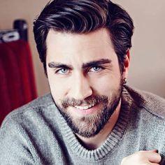 Turkish Men, Turkish Actors, Series Movies, Tv Series, Beard Styles, Best Actor, Man Crush, Sexy Men, Gentleman