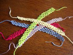 Braccialetto portafortuna Intreccio di CrochetLacesAndMore su Etsy