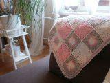 Háčkované čtverečky | Mimibazar.cz Ottoman, Chair, Furniture, Home Decor, Room Decor, Stool, Home Interior Design, Side Chairs, Home Decoration