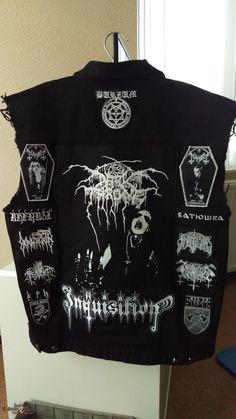Black metal battle jacket update Black metal battle jacket update of the back. Metal Fashion, Dark Fashion, Custom Clothes, Diy Clothes, Punk Jackets, Punk Patches, Battle Jacket, Punk Outfits, Metal Girl