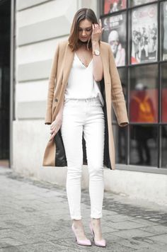 look all white                                                                                                                                                                                 Mais