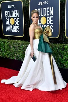 Golden Globes Fashion—Live From the Red Carpet - Golden Globes Jennifer Lopez in Valentino and Harry Winston jewelry - Golden Globe Award, Golden Globes, Nicole Kidman, Jennifer Lopez, Jennifer Lawrence, Donatella Versace, Joey King, Harry Winston, Globes