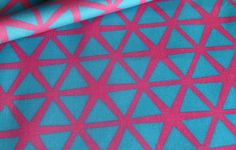 Triangle fabric Blue on Pink by @Stoflab
