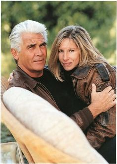Barbra Streisand with second husband, James Brolin. Hollywood Couples, Celebrity Couples, Old Hollywood, Brooklyn, Famous Couples, Couples In Love, Barbra Streisand James Brolin, Angeles, A Star Is Born