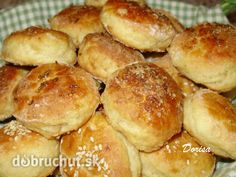 Fotorecept: Kapustové pagáčiky Bread Recipes, Cooking Recipes, Russian Recipes, Appetisers, Yummy Appetizers, Pretzel Bites, Buffet, Food And Drink, Rolls
