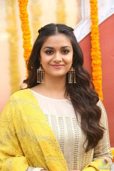 Check out beautiful stills of South Indian actress Keerthy Suresh captured at East Coast Production No 3 Film Launch - HQ Photos Bollywood Actress Bikini Photos, Tamil Actress Photos, Actress Anushka, Malayalam Actress, South Indian Actress, Beautiful Indian Actress, Heroine Photos, Actress Wallpaper, Top Celebrities