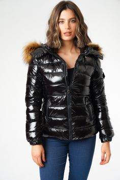 It's Shiny Black! Black Zips Pocket on arm Fitted Style Faux fur that look real Blue Puffer Jacket, Fur Jacket, Puffer Jackets, Winter Jackets, Women's Jackets, Mod Fashion, Sporty Fashion, Womens Fashion, Middle Eastern Fashion