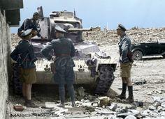 Κρήτη , Ηράκλειο - Ιούνιος 1941. Ο στρατηγός Kurt Student μαζί με άλλους αξιωματικούς , μπροστά απο ενα Αγγλικό άρμα μάχης Matilda. Greece - Crete by Markos Danezis