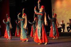 Armenian National Clothing - Taraz - Ar-Mari Rubenian