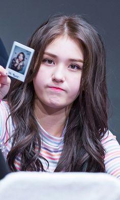Kpop Girl Groups, Korean Girl Groups, Kpop Girls, Jeon Somi, Teen Celebrities, Celebs, Jung Chaeyeon, Choi Yoojung, Kim Sejeong