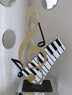 Abstract Gold Key & Piano Keyboard Music Chalkboard Sculpture by Diva Studio . ♡ Abstract Gold Key & Keys Piano Music Chalkboard Sculpture by Diva Studios. Music Themed Parties, Music Party, Piano Keys, Piano Music, Touches De Piano, Musik Illustration, Music Crafts, Music Artwork, Music Images