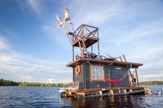 Saunalautta is a floating sauna houseboat that is now available for rent in Finland. Built out of recycled wood, the raft features a bedroom with four bunks, and a hot Pontoon Houseboat, Houseboat Living, Pontoon Boat, Houseboat Rentals, Saunas, Tiny House Movement, Canoa Kayak, Adventure Hotel, Shanty Boat