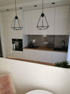 Kitchen Room Design, Interior Design Kitchen, Kitchen Decor, Kitchen Tops, White Kitchen Cabinets, Kitchen Furniture, Furniture Design, Vanity Decor, Interior Exterior