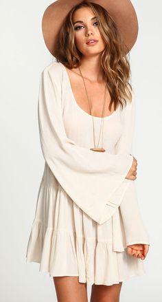kaliforhnia:    Backless Loose Pleated Dress  super cutefound here