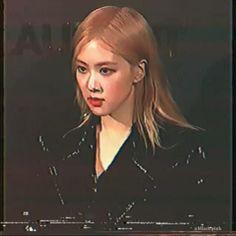 Blackpink Video, Rose Video, Film Aesthetic, Aesthetic Videos, Kpop Gifs, Pretty Korean Girls, Kpop Couples, Jennie Kim Blackpink, Blackpink Photos