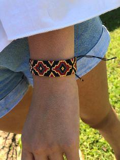 Miyuki Beaded Special Designed Bracelet Black Gold and red Loom Bracelet Patterns, Bead Loom Bracelets, Bead Loom Patterns, Beading Patterns, Beaded Bracelets Tutorial, Beaded Jewelry Designs, Bead Jewellery, Miyuki Beads, Loom Beading