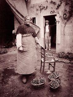 Eugene Atget Vintage Photography, Amazing Photography, Street Photography, Art Photography, Eugene Atget, Robert Doisneau, Old Pictures, Old Photos, Fotografia Retro