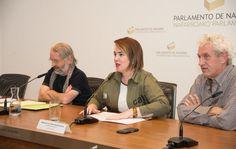 Charla y exposición sobre el TTIP en el Parlamento de Navarra.  Aznárez recuerda el rechazo del Parlamento al Tratado Transatlántico para el Comercio y la Inversión