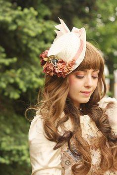 Fragrant Rose Memories at Anime North 2015. Handmade hat by Kaisha Margrethe.
