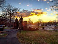 December skies over Mount Holyoke #december #mountholyoke #mountholyokecollege #mountholyokehappiness #mountholyokeforevershallbe @mhcalums @mtholyoke