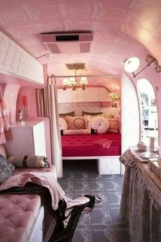 Refurbished pink interior of Airstream camper trailer for glamping in comfort & style Vintage Campers Trailers, Retro Campers, Vintage Caravans, Camper Trailers, Camper Van, Vintage Rv, Rv Campers, Vintage Airstream, Rv Trailer