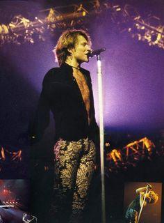 Jon Bon Jovi 1993. @bonjovinevergiveup   Tumblr