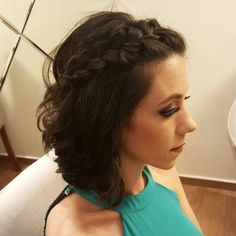 Penteado e maquiagem na linda @amandaalfaro <3  #hairstylist #loreal #johnfrieda #penteado #madrinhas #weeding #mua #beautyartist #beauty #makeupartist #makeup #make #maccosmetics #dior #benefit #makeupforever #guerlain #dailus #smashbox #vidademaquiadora #maquiadora #cabeloemaquiagem #peinado #penteadoparamadrinha #penteadocurto #cabelocurto #beautydodia #belezadodia