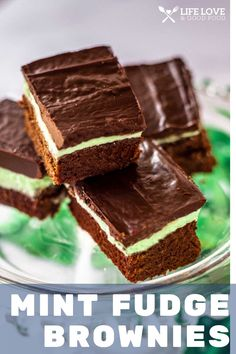 Mint Fudge Brownies are the most delicious, moist and fudgy brownies you've ever tasted. Top that with a creme de menthe buttercream and, as if that wasn't enough, add a layer of rich chocolate ganache. Chocolate Bread Recipe, Chocolate Ganache, Chocolate Desserts, Homemade Desserts, Delicious Desserts, Dessert Recipes, Baking Recipes, Bar Recipes, Mint Brownies