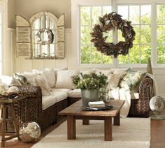 White Christmas on the beach, love the magnolia wreath, brown side out, with silver painted leaves....