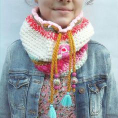 In shop: Olga. Crochet Beanie, Crochet Shawl, Diy Crochet, Crochet Stitches, Crochet Patterns, Crochet Scarves, Crochet Clothes, Knit World, Woolen Craft