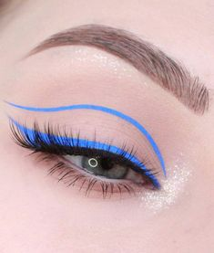 eyeliner colorful natural looks / eyeliner colorful ; eyeliner colorful for brown eyes ; eyeliner colorful natural looks ; Glasses Eye Makeup, No Eyeliner Makeup, Makeup Kit, Eyeliner Styles, Kim Makeup, Green Eyeliner, Winged Eyeliner, Makeup Brushes, Beauty Makeup