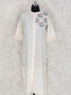 Kurtis for women Embroidery On Kurtis, Kurti Embroidery Design, Short Kurtis, Indian Kurta, Kurta Palazzo, White Casual, Casual Wear, Designer Dresses, Short Sleeve Dresses