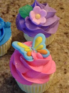 Vanilla Swirl Cupcake Bath Bombs, Vanilla, Sweet, Candy