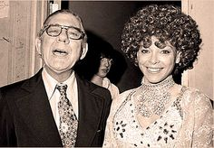 Wilbur Gets His Freak On – October 9, 1974 – Past Daily – Caption: The photo bomb said it all. http://pastdaily.com/wp-content/uploads/2015/10/NBC-Nightly-News-October-9-1974.mp3 – NBC Nightly News – October 9, 1974 – Gordon Skene Sound Collection – Ordinarily, another somber day on Capitol Hill, this October 9, 1974 – had it not been... #americanbroadcastingcompany #anchor #brianwilliams