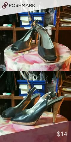 Preview sz 8 heels Adorable preview black size 8 heels open-toed Preview Shoes Heels