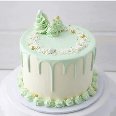Christmas Cake Designs, Christmas Cake Decorations, Holiday Cakes, Christmas Desserts, Christmas Treats, Christmas Baking, Easy Christmas Cake, Christmas Birthday Cake, Xmas Cakes