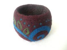 Burgundy Crochet and Needle Felted Bowl/ Vessel por EntangledForest, $35.00
