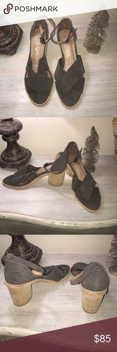 Jeffrey Campbell heeled Sandals Brand new! Never worn ! Jeffrey Campbell Shoes