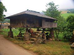 Joyas de la arquitectura rural Asturiana. Panera de Oneta en #Villayon