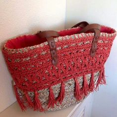 Risultati immagini per capazos decorados con crochet Crochet Handbags, Crochet Purses, Diy Straw, Straw Bag, Ibiza, Ethnic Bag, Diy Tote Bag, Macrame Bag, Craft Bags