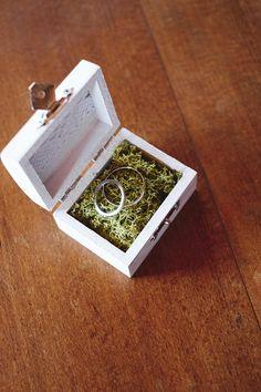 Small box chest wood ring holder princess wedding von Granny's Gift auf DaWanda.com